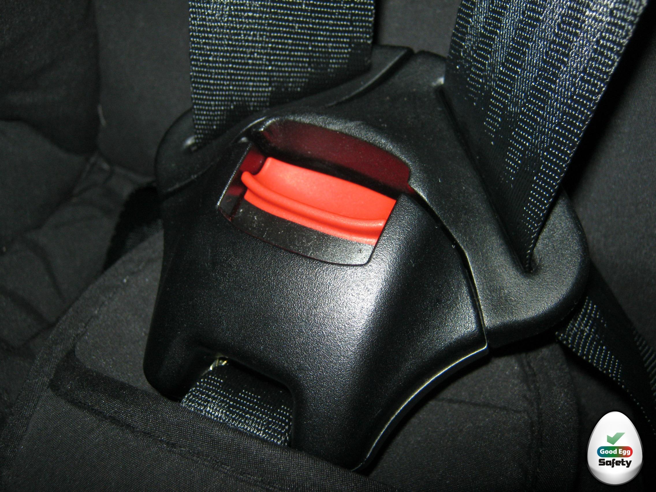 car seat buckle cover velcromag. Black Bedroom Furniture Sets. Home Design Ideas